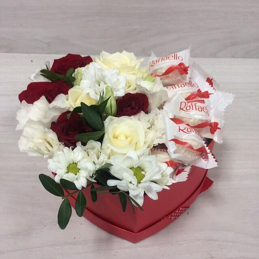 Raffaello c розами в  в композиции в виде сердца