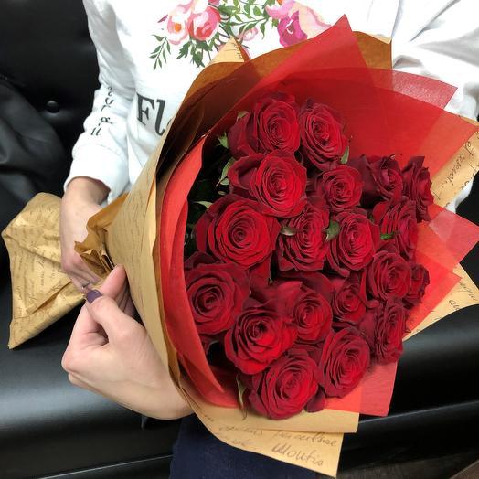 Розы. Букет из 19 красных роз. N15