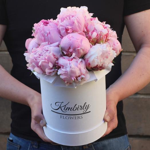 13 пионов в коробке: букеты цветов на заказ Flowwow