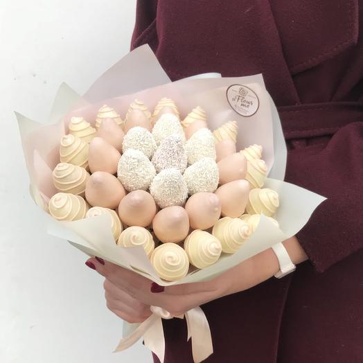 Букет из клубники в белом и розовом  бельгийском шоколаде: букеты цветов на заказ Flowwow