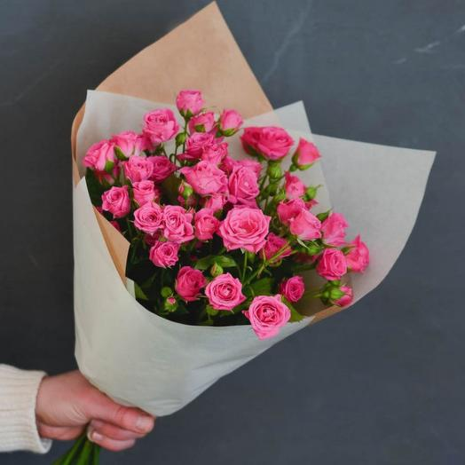 Букет-комплимент с кустовыми розами: букеты цветов на заказ Flowwow