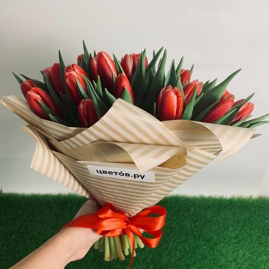 33 тюльпана: букеты цветов на заказ Flowwow