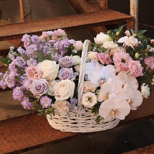"""Корзина с цветами """"Первая песнья весны"""""""