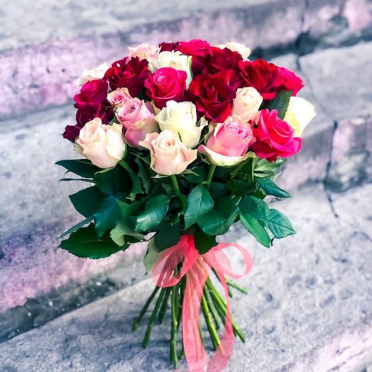 Микс 25 роз: букеты цветов на заказ Flowwow