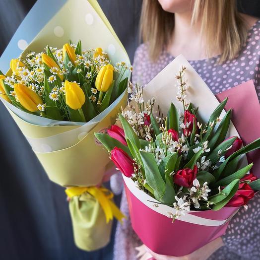 С тюльпанами: букеты цветов на заказ Flowwow