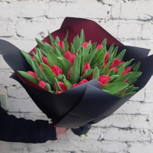 "Букет  ""Красное на черном"": букеты цветов на заказ Flowwow"