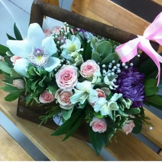 Ящик с орхидеей