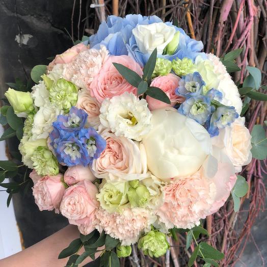 Букет невесты в голубых оттенках
