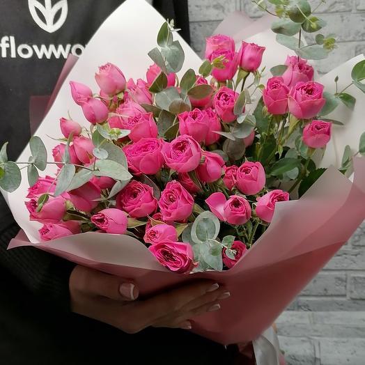 11 кустовых пионовидных роз)