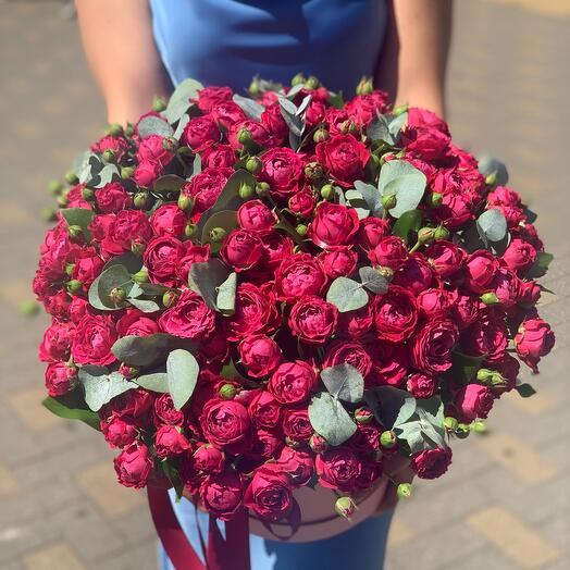 Коробка из пионовидных роз