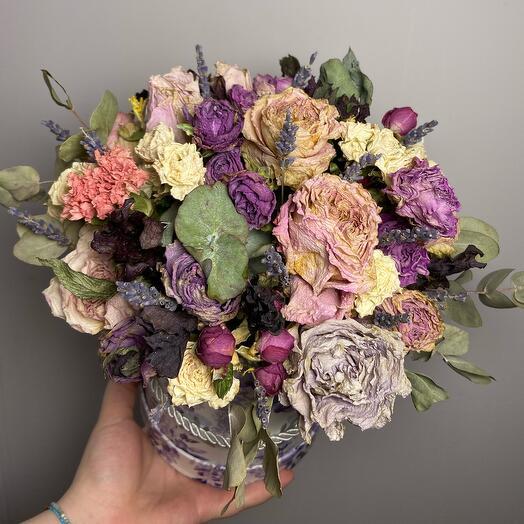 Шляпная коробка с сухоцветами и лавандой