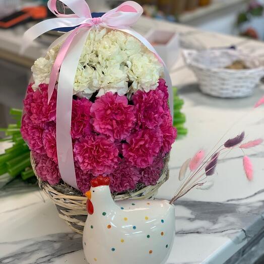 Пасхальное яйцо из гвоздики