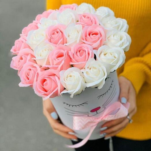 Мыльные розы в коробке с мордочкой