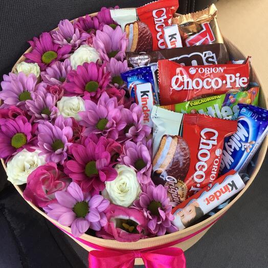 Цветы в коробке со скидкой