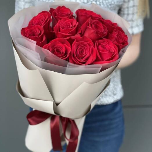 """""""Красные розы в оформлении"""""""