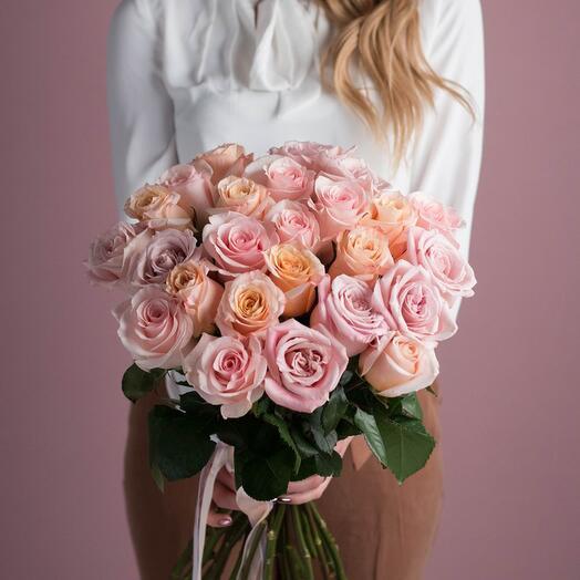 25 нежных роз Эквадор (PREMIUM)