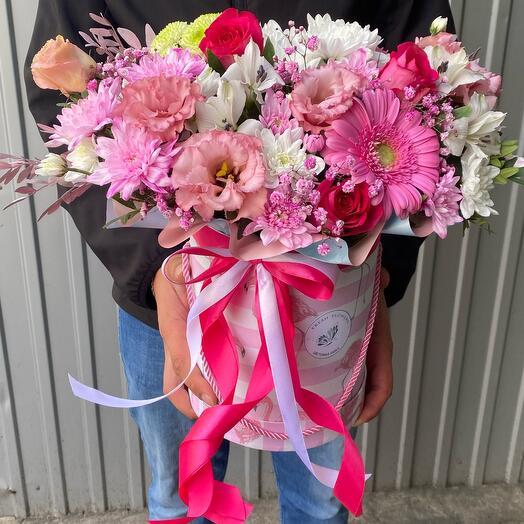 Цветы в коробке «Бенефис»