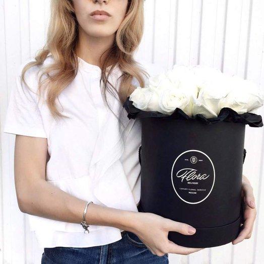 Розы Proud в шляпной коробке Grand Black: букеты цветов на заказ Flowwow