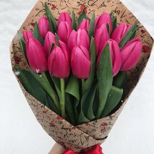 15 ярко розовых тюльпанов: букеты цветов на заказ Flowwow