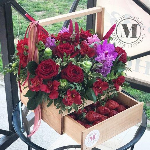 Цветочно-фруктовый комод: букеты цветов на заказ Flowwow