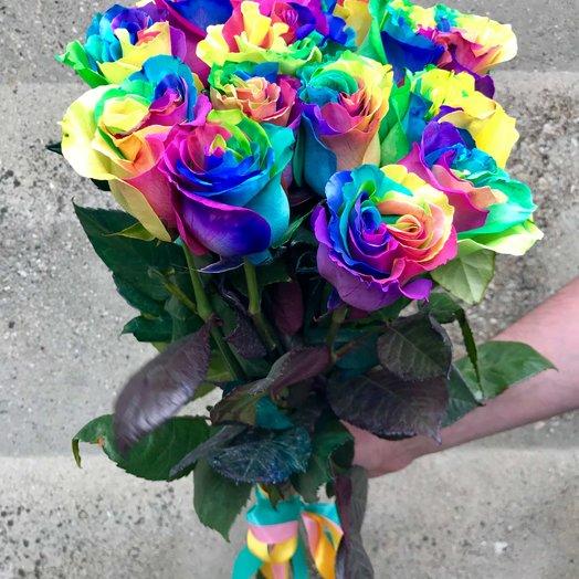 15 радужных роз: букеты цветов на заказ Flowwow