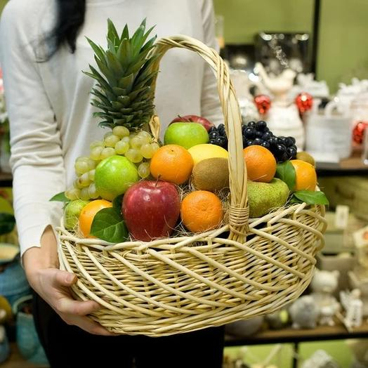 Корзина фруктовая с ананасом 7 кг: букеты цветов на заказ Flowwow