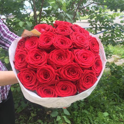 Букет из 21 розы Ред Наоми: букеты цветов на заказ Flowwow