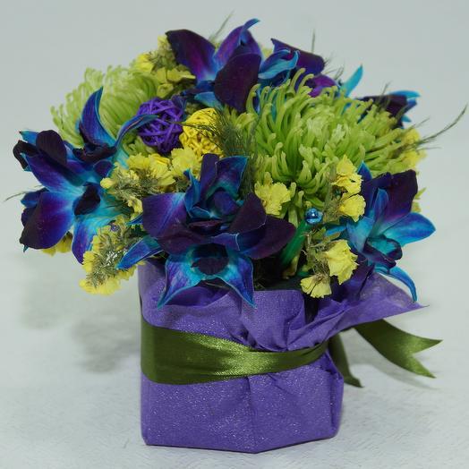 Комплимент в орхидеях: букеты цветов на заказ Flowwow
