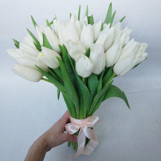 35 белых тюльпанов в букете: букеты цветов на заказ Flowwow