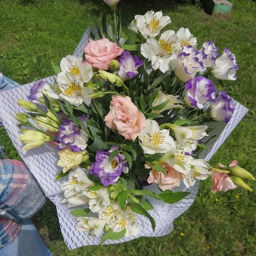 Букет из альпийской розы и альстромерии: букеты цветов на заказ Flowwow