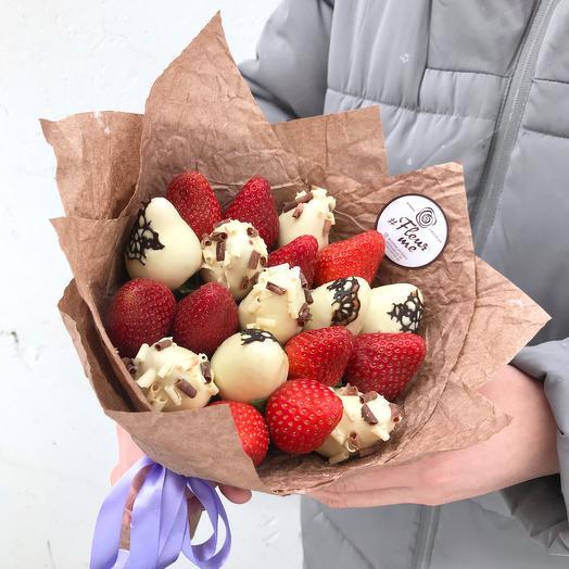 Букет из клубники и клубники в белом шоколаде: букеты цветов на заказ Flowwow