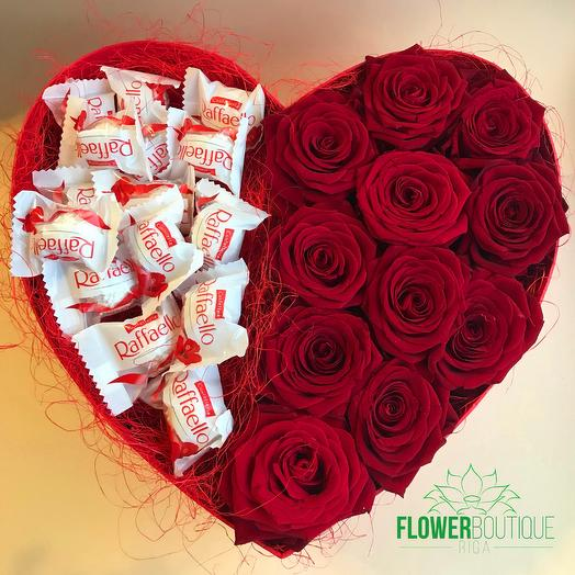 Red heart box with raffaello: flowers to order Flowwow