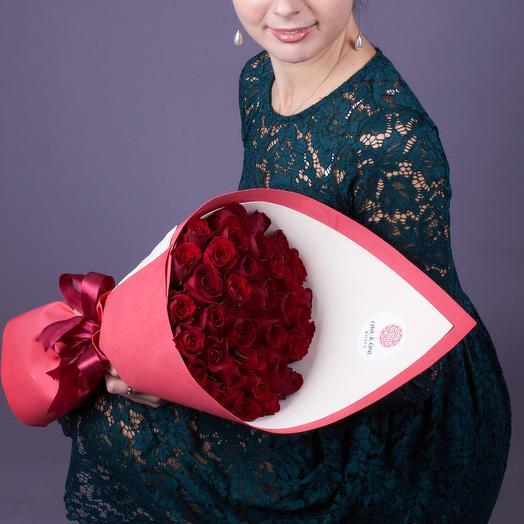 35 красных роз Ред Наоми 40 см: букеты цветов на заказ Flowwow