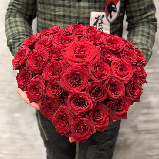 Шикарная коробка из роз «Страсть»