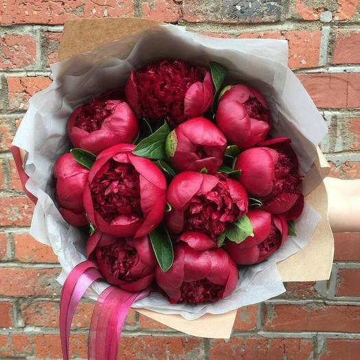 Букет из красных пионов: букеты цветов на заказ Flowwow