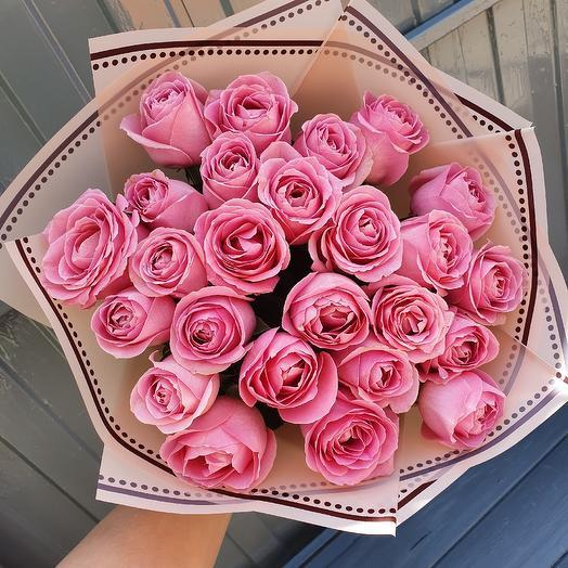 25 роз пионовидных