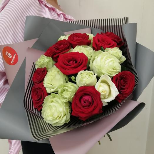 ✅ Букет из красно-белой розы