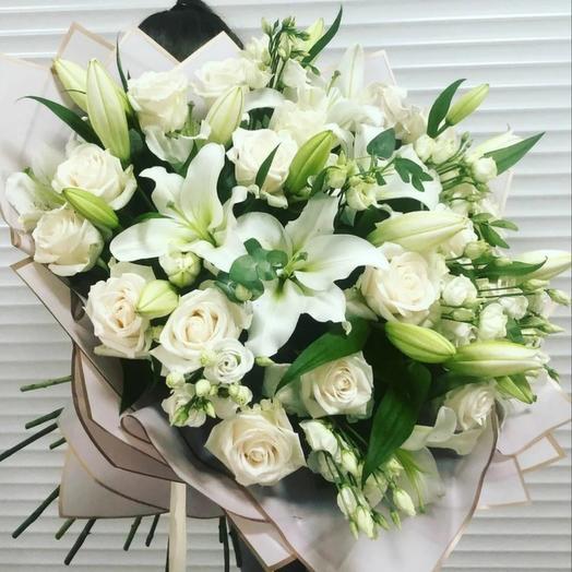Букет из роз и лилий