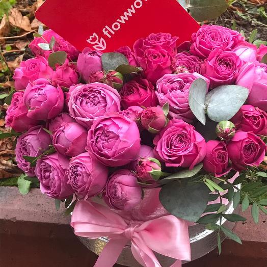 Цветы в коробке пионовидная