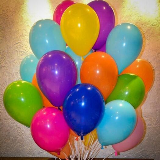 25 разноцветных шаров