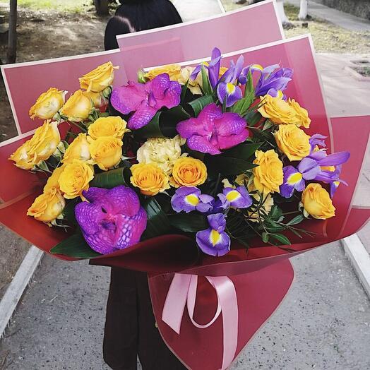 Букет с орхидеей вандой