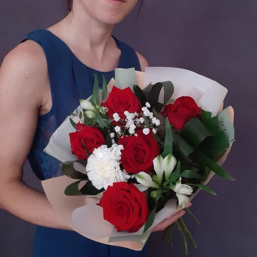 Букет с красной розой