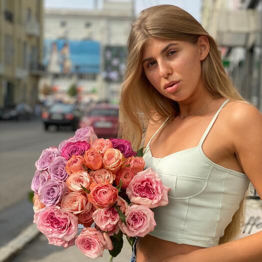 Моно букет з рожевих троянд
