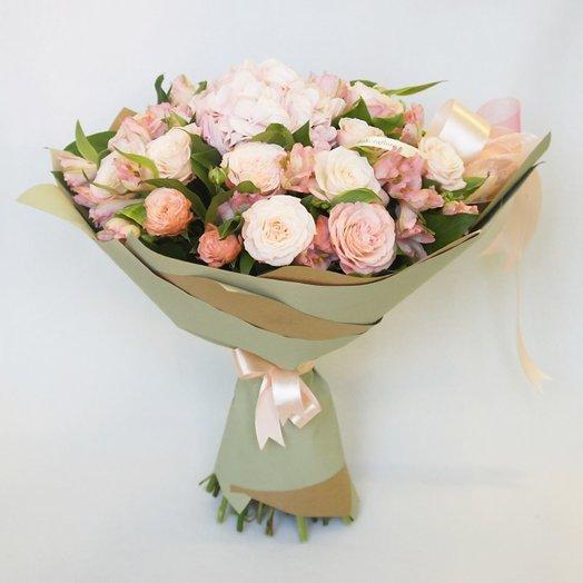 Букет кустовых роз с гортензией и альстромерией: букеты цветов на заказ Flowwow