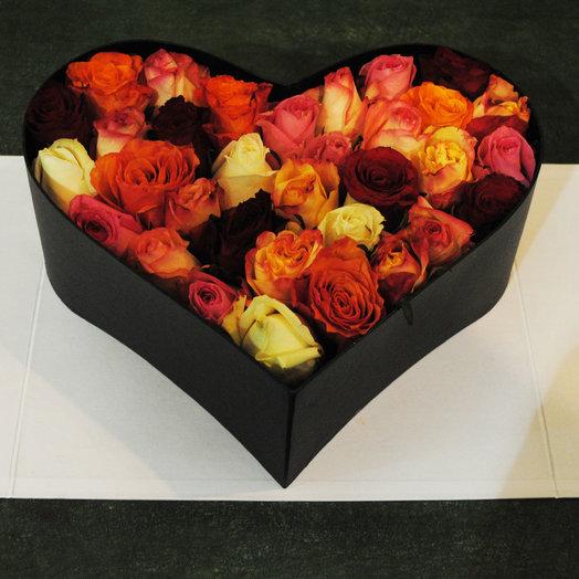 Весенняя цветочная композиция в коробке: букеты цветов на заказ Flowwow