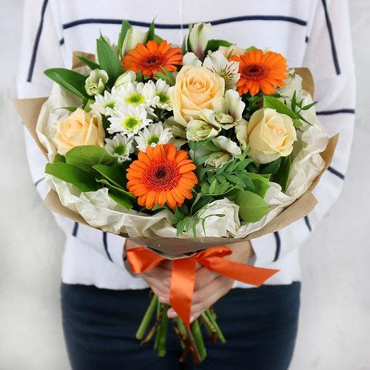 Букет из гербер роз и альстромерии в крафте: букеты цветов на заказ Flowwow
