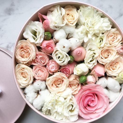 Розы с хлопком: букеты цветов на заказ Flowwow