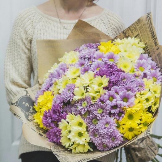 25 кустовых хризантем в крафт-бумаге: букеты цветов на заказ Flowwow