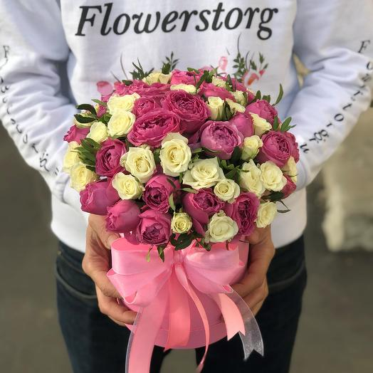 Коробки с цветами.Пионовидная кустовая роза. N270: букеты цветов на заказ Flowwow