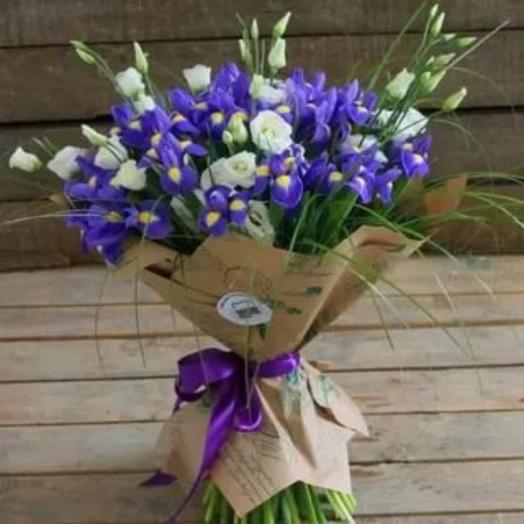 A bouquet of iris and eustoma
